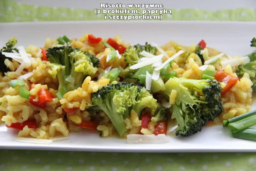 Risotto warzywne (z brokułem, papryką i szczypiorkiem)