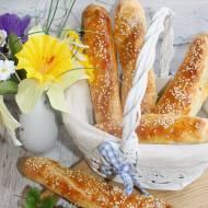 Domowe pieczywo – paluchy z sezamem