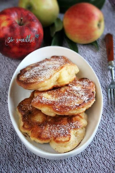 Drożdżowe racuchy z jabłkami na maślance (na suchych drożdżach)