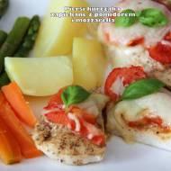 Piersi kurczaka zapiekane z pomidorem i mozzarellą