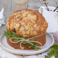 Wielkanocne ciasto z migdałami i suszoną czereśnią