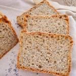 Chleb gryczano-razowy z makiem (Pane integrale con farina di grano saraceno)