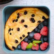 Omlet twarogowy z owocami