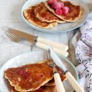 Orkiszowe pancakes z malinami