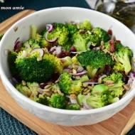 Szybka sałatka brokułowa