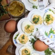 Jajka faszerowane z kiełkami i musztardą