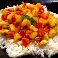 Kurczak z ryżem w sosie słodko-kwaśnym