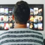 Dlaczego warto oglądać filmy online?