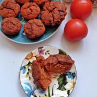 Słodkie muffinki pomidorowe