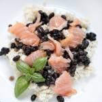 Ryż z łososiem i czarną fasolą