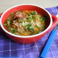 Zupa kapuściana z fasolką i ryżem