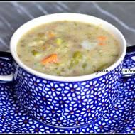 Zupa warzywna z kaszą i soczewicą