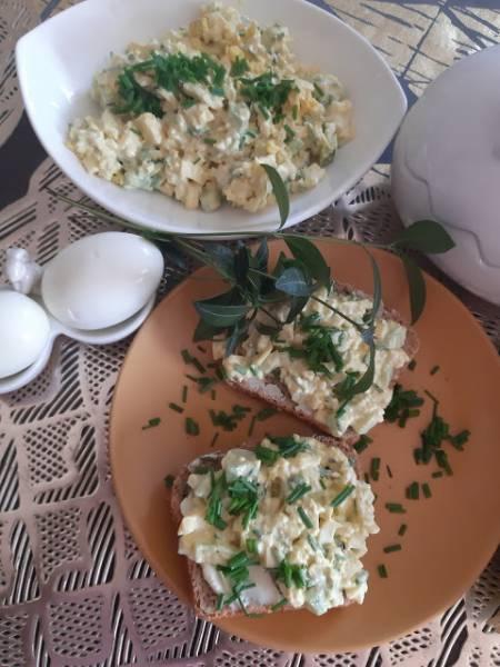 Pasta jajeczna z ogórkiem zielonym