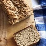 Chleb na zakwasie: przepis na razowy chleb żytni