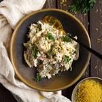 Makaronowa sałatka z szynką i żółtym serem