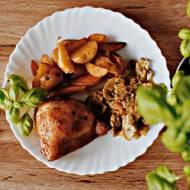 Ćwiartka z kurczaka w towarzystwie gulaszu warzywnego