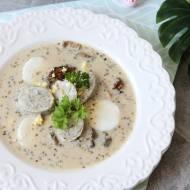 Barszcz biały z grzybami i białą kiełbasą