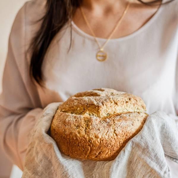 Domowy chleb z dodatkiem ziaren