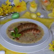 Wielkanocny barszcz chrzanowy z jajkiem i białą kiełbasą