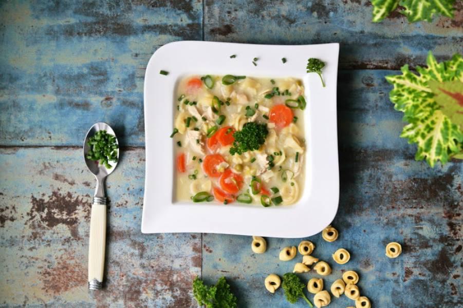 Zupa kremowa z kurczakiem i tortellini