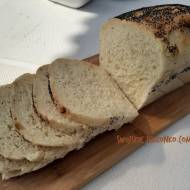 Prosty chleb pszenny na suchych drożdzach