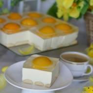 Słodkie jajko sadzone czyli waniliowy sernik z brzoskwiniami i galaretką