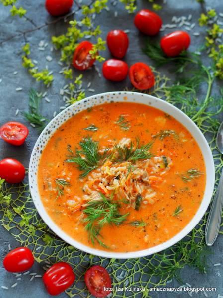 Zupa pomidorowa jednogarnkowa