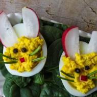 Jajka na Wielkanoc – dekoracje z jajek gotowanych