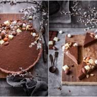 Czekoladowy mazurek z solonymi orzechami / Chocolate tart with salted nuts