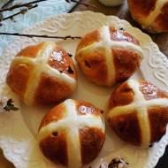 Brytyjskie bułeczki z krzyżykiem ( Hot Cross Buns)