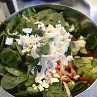 Nasza ulubiona sałata z kryzysowym sosem