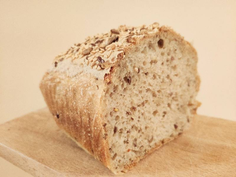 Chleb z keksówki na zakwasie