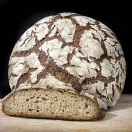 Jasny chleb żytni z ziemniakami i kminkiem