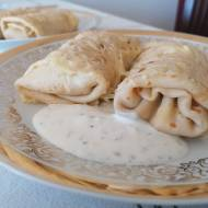 Naleśniki z shoarmą z kurczaka i żółtym serem