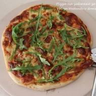 Pizza na zakwasie ze szparagami