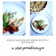 Muszle nadziewane serem ricotta i szpinakiem w sosie pomidorowym