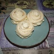 Bezowe ciasteczka z kremem mascarpone według przepisu mojej Mamy