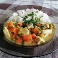 Potrawka z kurczaka z marchewką i groszkiem