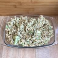 Makaron z brokułem w sosie śmietanowo-serowym
