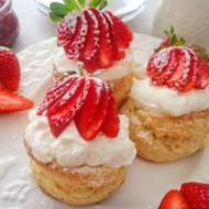 Angielski bułeczki scones na kefirze (Scones - panini inglesi)