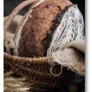 Chleb na zakwasie z ciemnym piwem, miodem i orzechami włoskimi