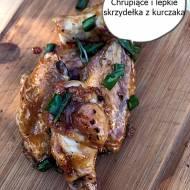 Skrzydełka z kurczaka, chrupiące i lepkie – najlepsze