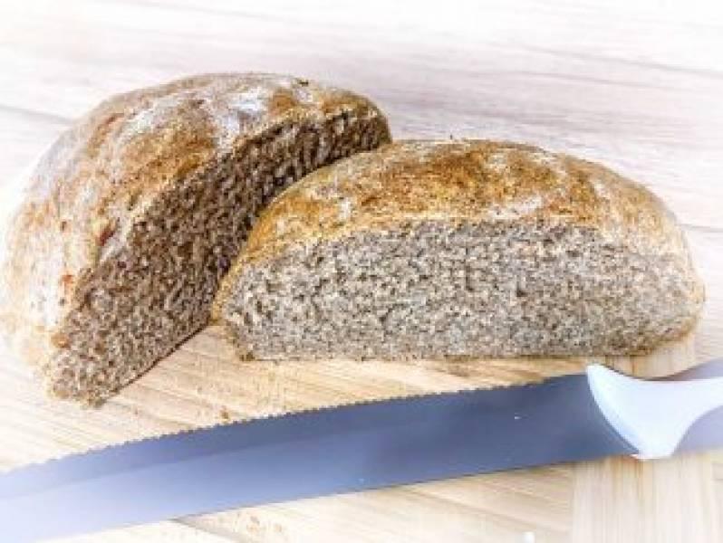 Domowy chleb pełnoziarnisty