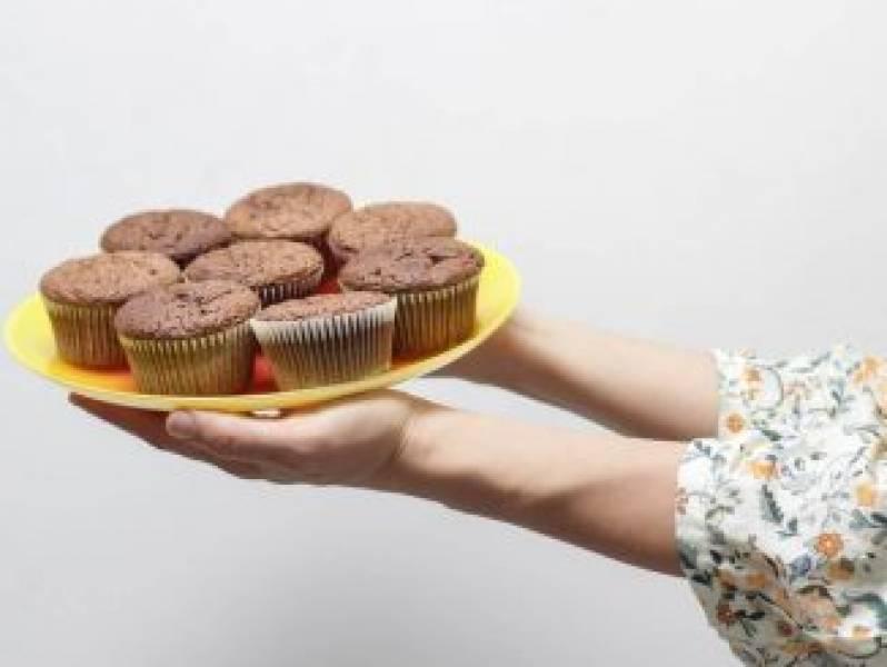 Pyszne desery z niewielu składników – sprawdź te przepisy!