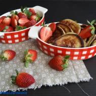 Racuszki na maślance z serkiem i truskawkami