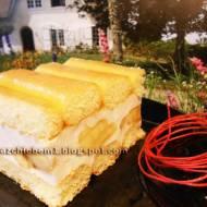 Ciasto biszkoptowe Karolek z kremem jogurtowym i bananami (bez pieczenia)