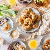 Drożdżowe rogaliki orkiszowe | Europejski Dzień Śniadania