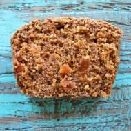 Owsiane ciasto marchewkowe z morelami
