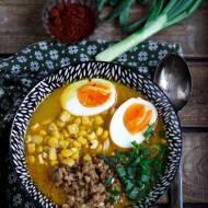 Tajski curry ramen z mieloną wieprzowiną