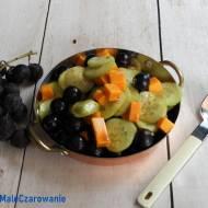 Ogórkowa sałatka z winogronem